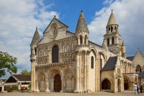 Nuova Aquitania, da Bordeaux a Poitiers
